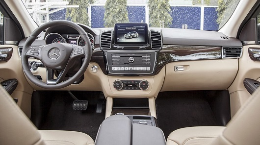 nội thất Mercedes-Benz GLE 400 Exclusive